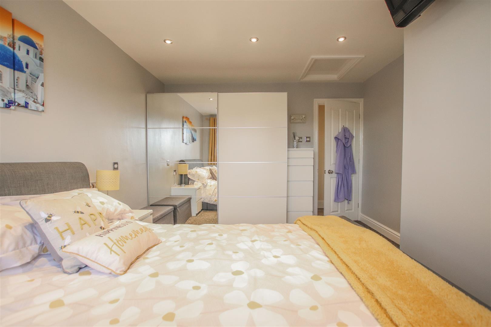 4 Bedroom Detached House For Sale - 32.JPG